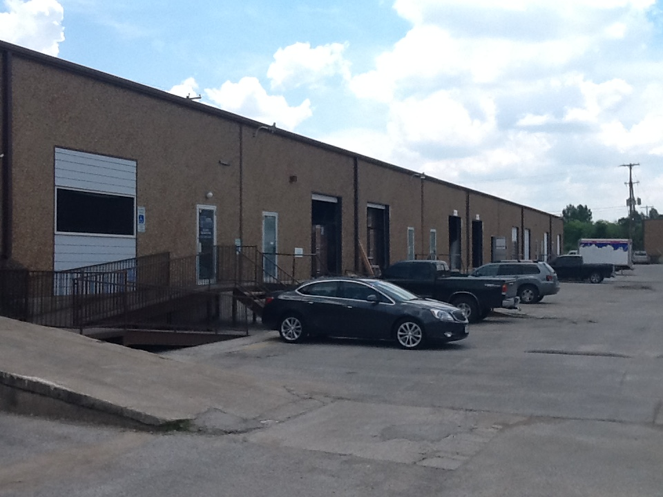 Small Warehouse Space East Fort Worth – Blue Smoke Court North - The  Newberry Company